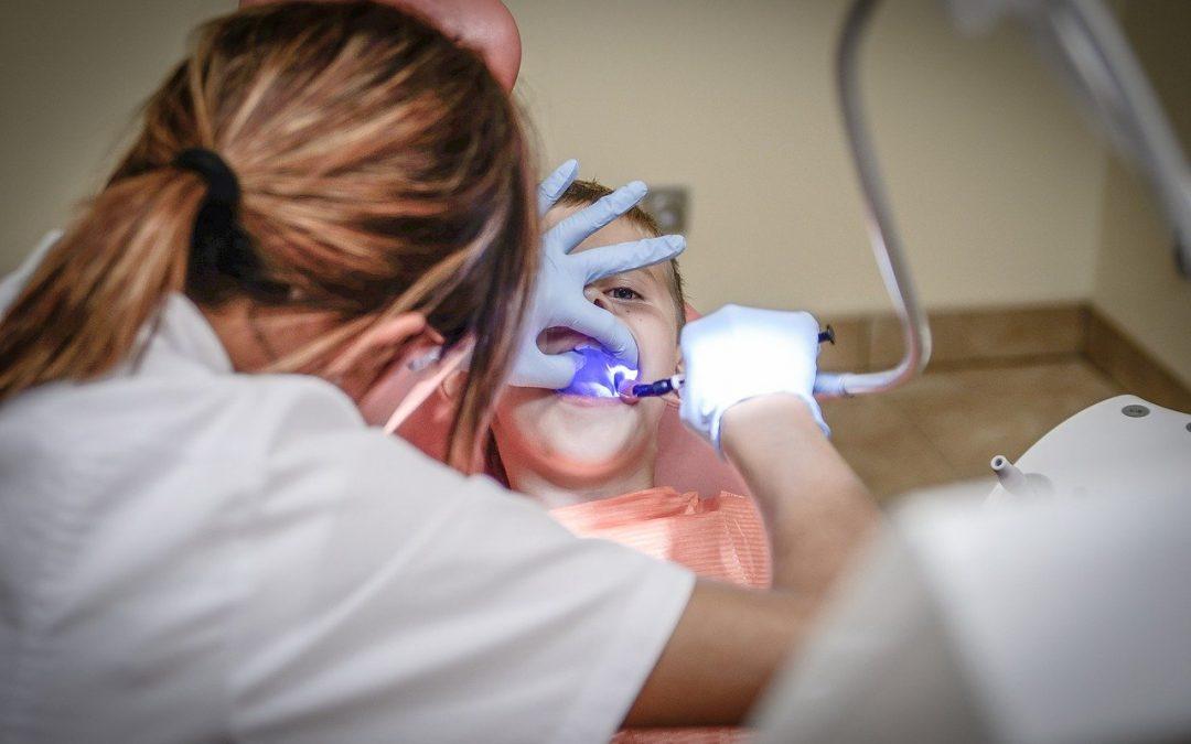 Zahnimplantante und Zahnersatz von Myimplantat in Düsseldorf – Kompetenter und freundlicher Service mit tollen Ergebnissen!